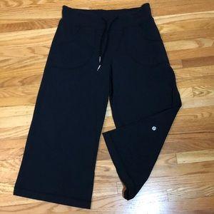 Lululemon Black Wide Leg Crop Pants High Rise Sz 6
